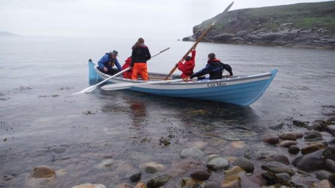 skiff arriving on Isle Martin (2)