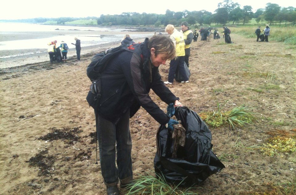 Cramond  survey  bagging up