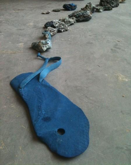 flip flop & plastic rocks