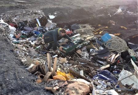 placing-plastiglomerates-in-landfill-site