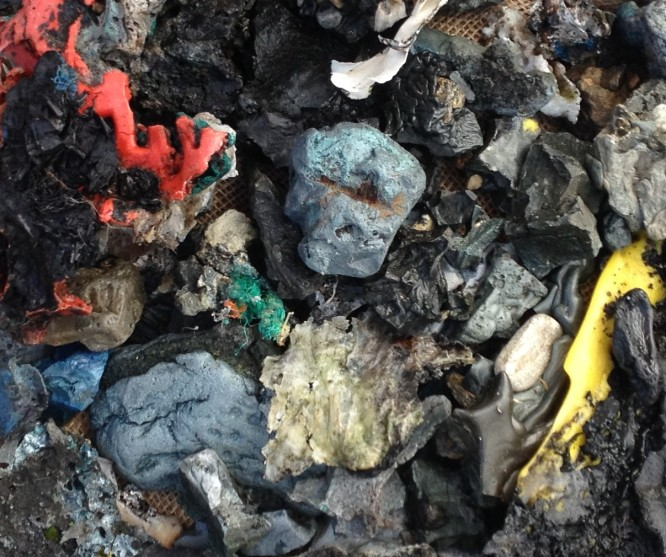 coloured-plastiglomerates